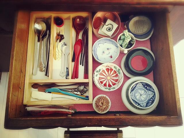 食器棚 カトラリー&豆皿部隊
